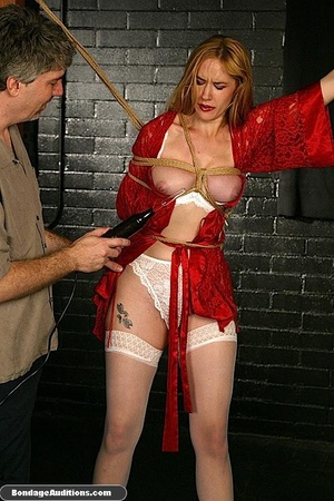Beautiful lady in red loves some kinky b - XXX Dessert - Picture 6