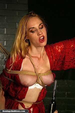 Beautiful lady in red loves some kinky b - XXX Dessert - Picture 10