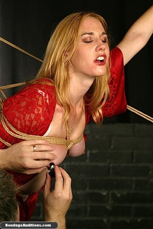 Beautiful lady in red loves some kinky b - XXX Dessert - Picture 14