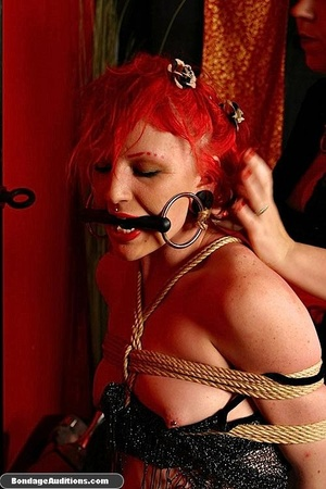 Redhead hottie gets tied and sucks a bla - XXX Dessert - Picture 11