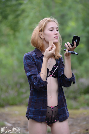 Beautiful redhead lady takes off her clothes outdoors - XXXonXXX - Pic 2
