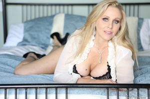 Blue eyed mom shows her fine body in sex - XXX Dessert - Picture 1