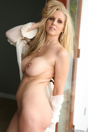 Blue eyed mom shows her fine body in sex - XXX Dessert - Picture 7