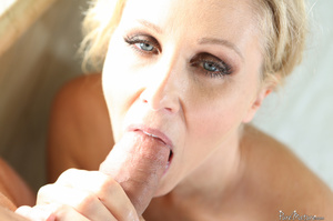 Blue eyed mom shows her fine body in sex - XXX Dessert - Picture 20