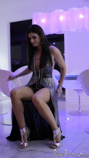 Elegant long haired chick in a fancy dre - XXX Dessert - Picture 4