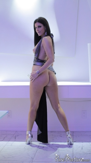 Elegant long haired chick in a fancy dre - XXX Dessert - Picture 6