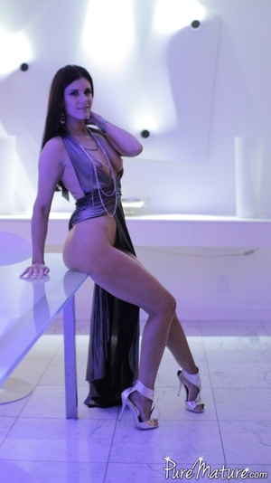 Elegant long haired chick in a fancy dre - XXX Dessert - Picture 7