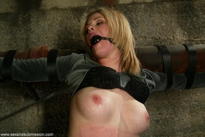Sensitive vagina wasn't ready for hard s - XXX Dessert - Picture 5