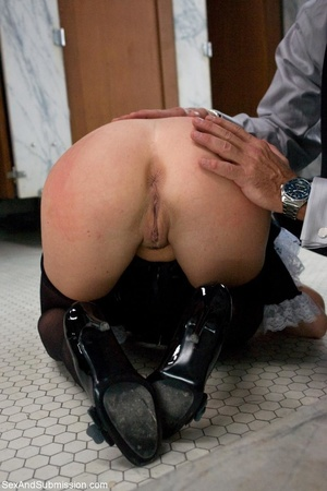 Sexy housemaid gets tortured on the dirt - XXX Dessert - Picture 3