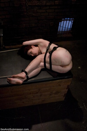 Looks like redhead enjoys bondage and ha - XXX Dessert - Picture 9