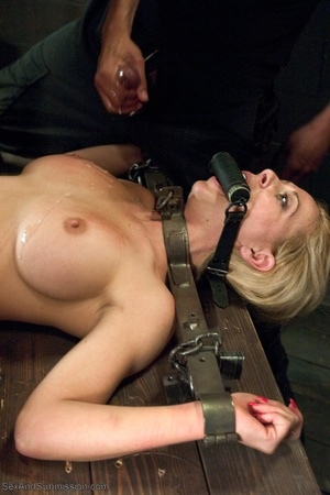 Sweet looking blonde chick gets a big black pecker in her cunt - XXXonXXX - Pic 18