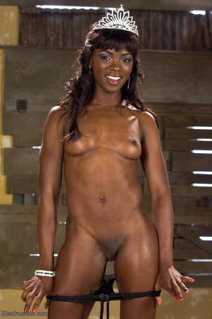 Ebony princess is hoisted in the air and - XXX Dessert - Picture 2