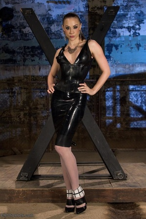 Slut on a Saint Andrews cross is made to - XXX Dessert - Picture 1