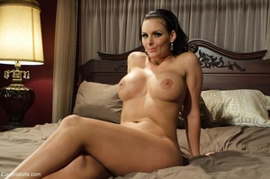 Exquisite MILF manages uncomfortable sce - XXX Dessert - Picture 18