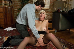 Guy in a tie uses his hand and cock to h - XXX Dessert - Picture 12