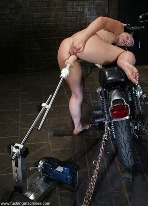 Ardent babe really loves bikes and fucking machines - XXXonXXX - Pic 5