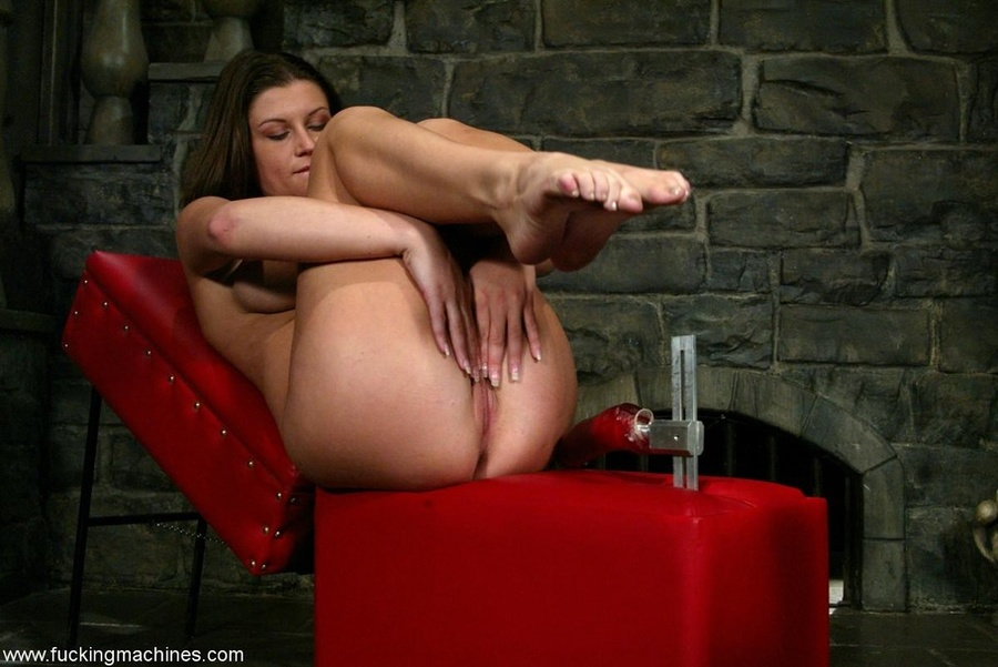 Fucking machine drills hard trimmed cunt of a horny MILF - XXXonXXX - Pic 7