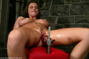 Fucking machine drills hard trimmed cunt of a horny MILF - Picture 9