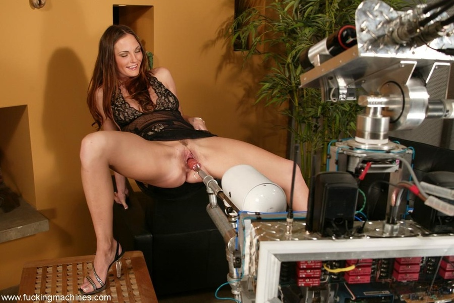 The robot fucks well-shaped lady better than any male - XXXonXXX - Pic 4