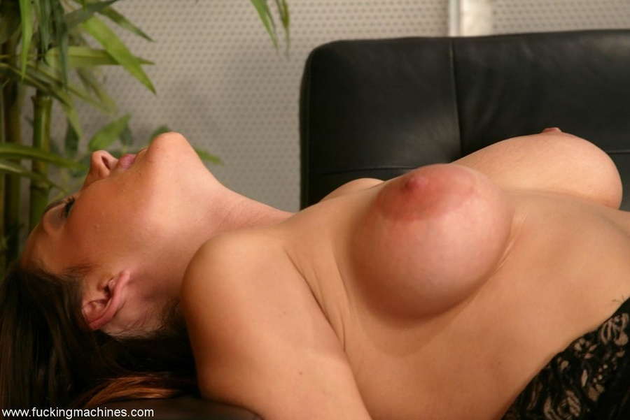 The robot fucks well-shaped lady better than any male - XXXonXXX - Pic 8