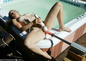 Woman has dirty fun with sex machine in the back yard - XXXonXXX - Pic 4