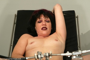 Mature dame experiences masturbation with designed machine - XXXonXXX - Pic 2