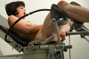 Mature dame experiences masturbation with designed machine - XXXonXXX - Pic 4