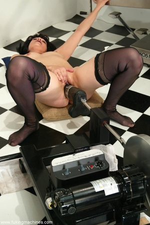 Mature dame experiences masturbation with designed machine - XXXonXXX - Pic 13