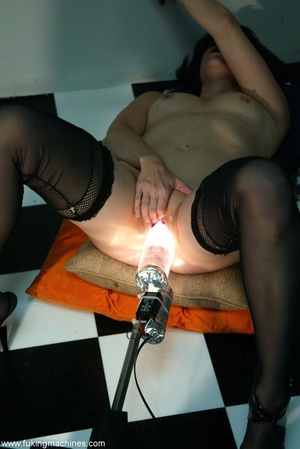 Mature dame experiences masturbation with designed machine - XXXonXXX - Pic 16