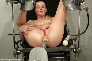 Tight asshole gets humiliated by the soulless machine - XXXonXXX - Pic 6