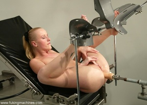 Tight asshole gets humiliated by the soulless machine - XXXonXXX - Pic 7