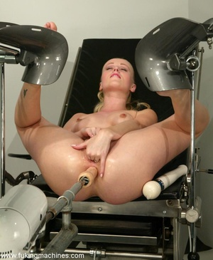 Tight asshole gets humiliated by the soulless machine - XXXonXXX - Pic 8