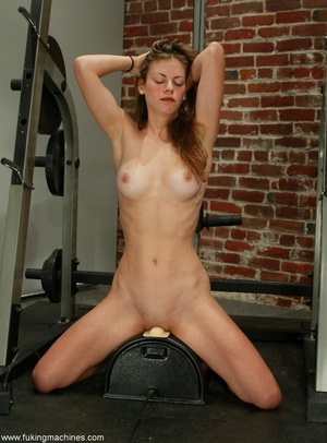 Empty dressing room gives the chick a chance to relax - XXXonXXX - Pic 10