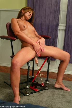 Woman exactly knows how to use special sex machines - XXXonXXX - Pic 11
