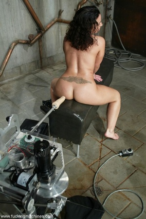 Horny dame wants to experience new sexual sensations - XXXonXXX - Pic 7