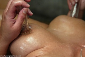 Horny dame wants to experience new sexual sensations - XXXonXXX - Pic 15