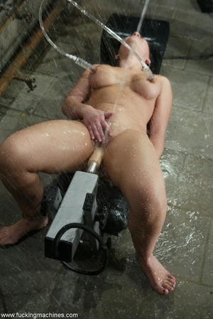 Horny dame wants to experience new sexual sensations - XXXonXXX - Pic 16