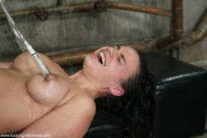 Horny dame wants to experience new sexual sensations - XXXonXXX - Pic 17