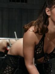 Juicy vagina of young lassie welcomes mechanized - XXXonXXX - Pic 2