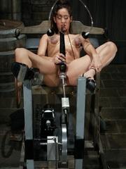 Juicy vagina of young lassie welcomes mechanized - XXXonXXX - Pic 6