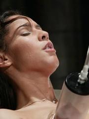 Juicy vagina of young lassie welcomes mechanized - XXXonXXX - Pic 7