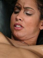 Juicy vagina of young lassie welcomes mechanized - XXXonXXX - Pic 14