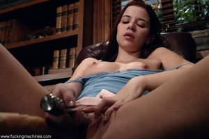 Housewife got nasty with sex machines while cleaning house - XXXonXXX - Pic 3