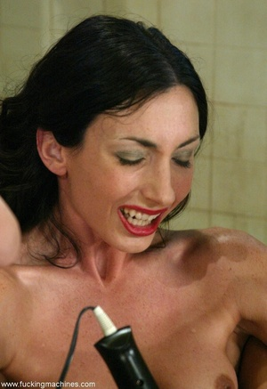 Flexible lady stimulates orgasm after a good machine fuck - XXXonXXX - Pic 14