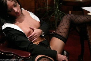 Robotic sex machines forced lady's snatch squirt in office - XXXonXXX - Pic 2
