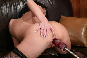 Robotic sex machines forced lady's snatch squirt in office - XXXonXXX - Pic 14