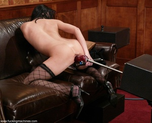 Robotic sex machines forced lady's snatch squirt in office - XXXonXXX - Pic 15