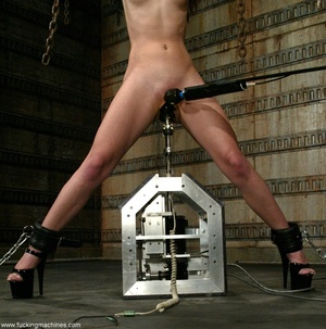 Dildos strapped to machines brutally banged girl's pussy - XXXonXXX - Pic 8