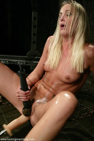 Blonde gets her ass and infiltrated by sex machines - XXXonXXX - Pic 17