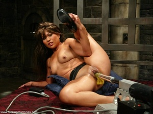 Lady has an incredible orgasm on top of sybian machine - XXXonXXX - Pic 5
